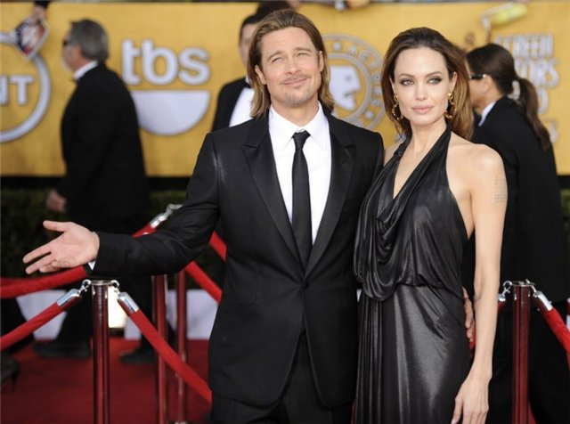 Angelina Jolie and Brad Pitt - Страница 3 3d32aa7167f7