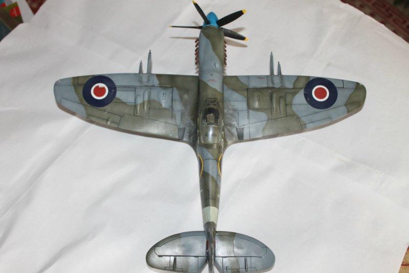 Supermarine Spitfire Mk. 22 Revell. 1/32 Ddbf3e5c3a3a
