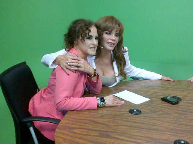 Лусия Мендес/Lucia Mendez 4 - Страница 27 C73fabd6a124