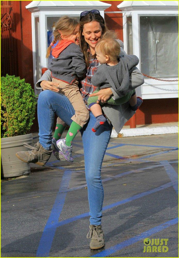 Ben Affleck and Jennifer Garner - Страница 11 636116aebd62