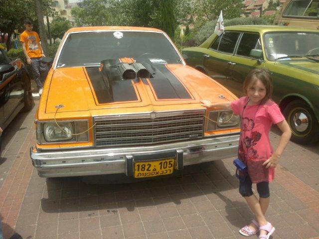 Выставка старых машин в кармиэле B97acb9af7f6
