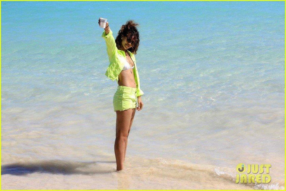 Rihanna  - Страница 5 7576089406d6