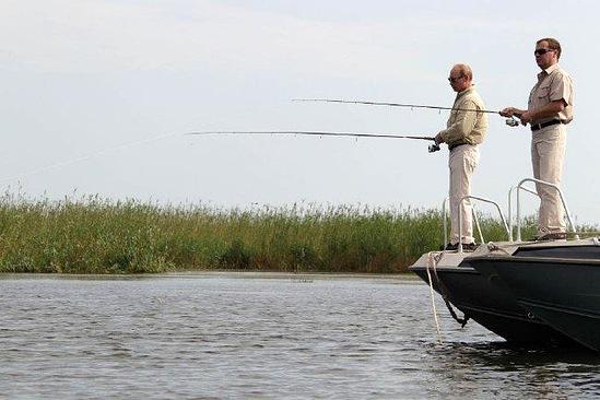 Знаменитости на рыбалке (в стадии добавления) 27d6895a5a8d