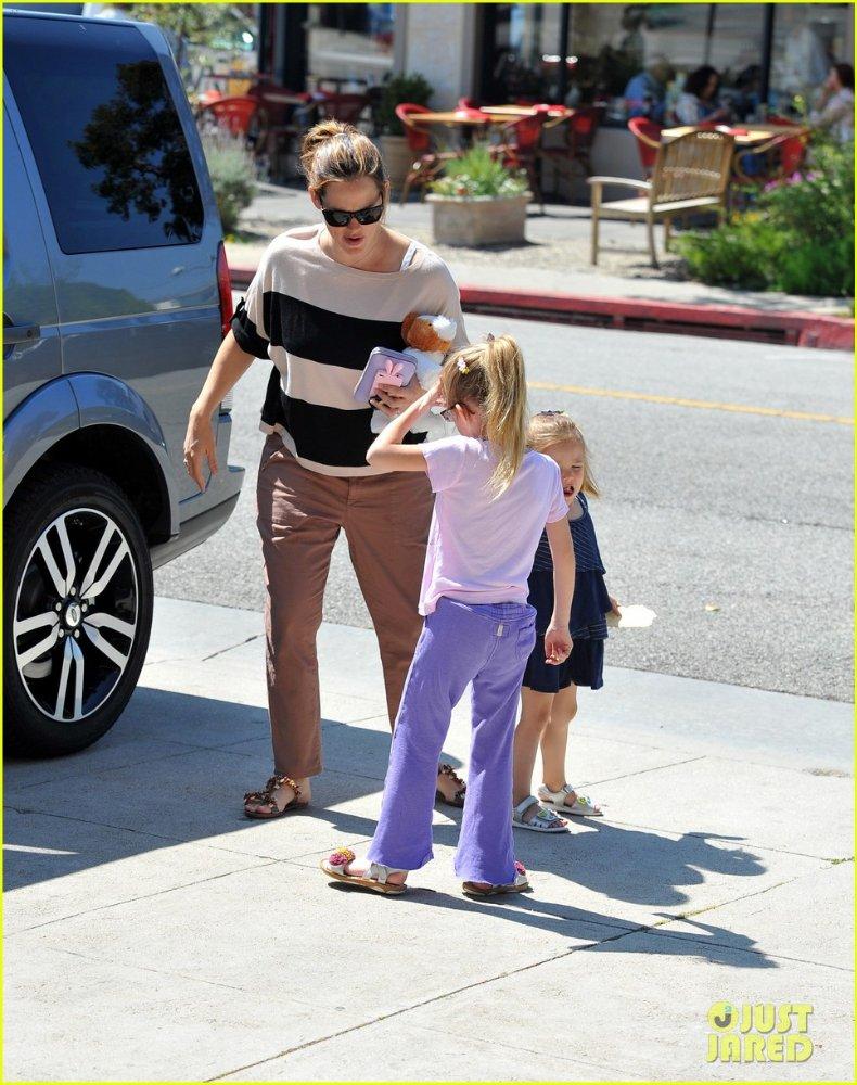 Ben Affleck and Jennifer Garner - Страница 3 54e48e8bbbc8