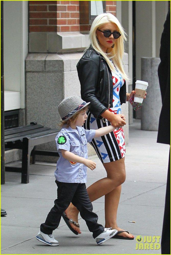 Christina Aguilera  - Страница 3 47f4f436d58d