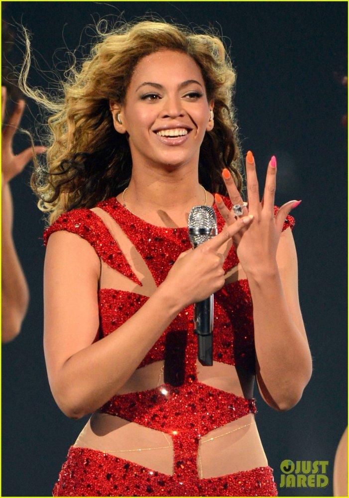 Beyoncé - Страница 6 84088abb0b0b