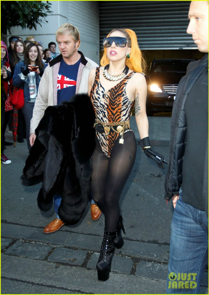 Lady GaGa  - Страница 3 C22330343687