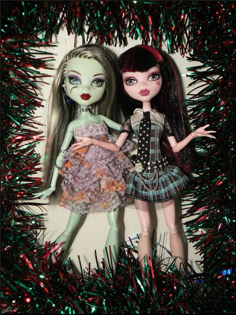 Фото наших Monster High - Страница 14 9ededb1836fb