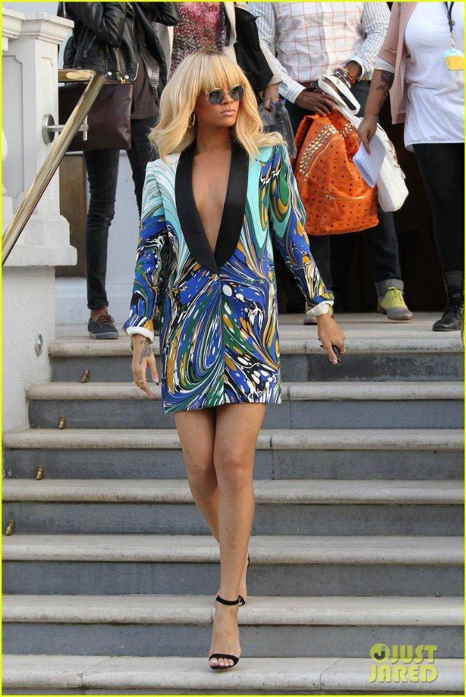 Rihanna  - Страница 5 D0a7dcc6c5ca