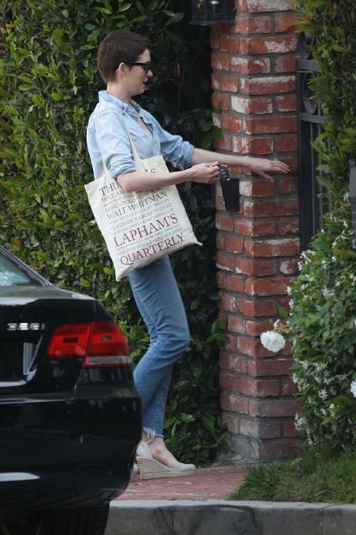 Anne Hathaway/Энн Хэтэуэй - Страница 2 B019b930868e