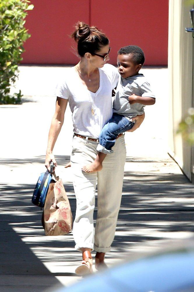 Sandra Bullock / Сандра Баллок - Страница 2 56d068a0297a