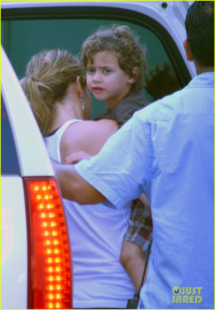 Дженнифер Лопес/ Jennifer Lopez - Страница 4 21dc7cd514fe