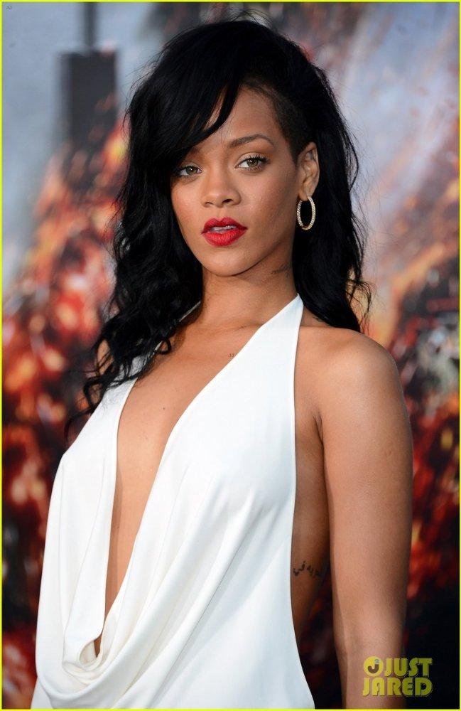 Rihanna  - Страница 6 2abbd2d1657f