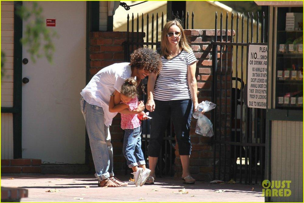 Halle Berry  - Страница 6 8c04ffcbcc2d