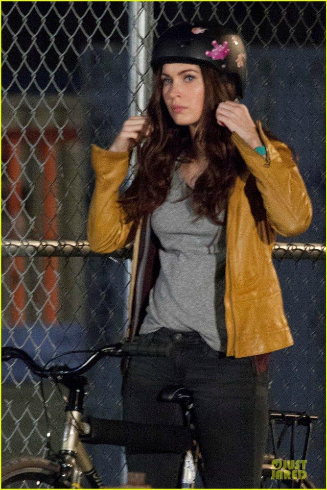 Megan Fox - Страница 14 98e3ae1ec919