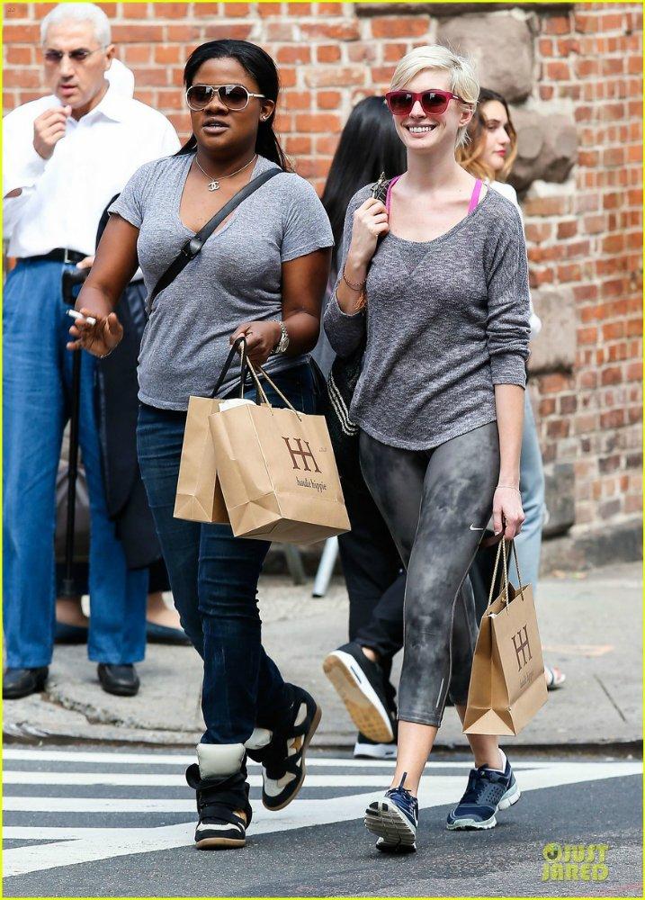 Anne Hathaway/Энн Хэтэуэй - Страница 9 4e27b0a7c32b