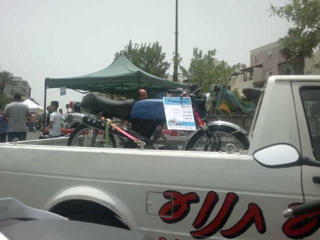 Выставка старых машин в кармиэле E29899ee5428