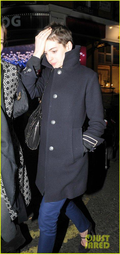 Anne Hathaway/Энн Хэтэуэй Ce44b7ccc0ad
