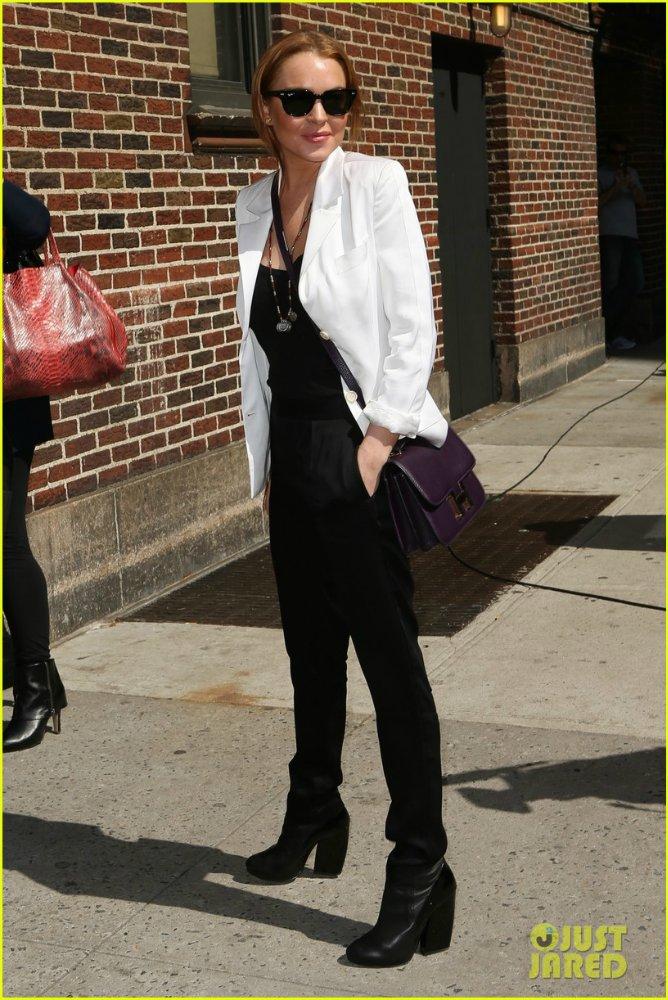Lindsay Lohan - Страница 17 Bee982291233