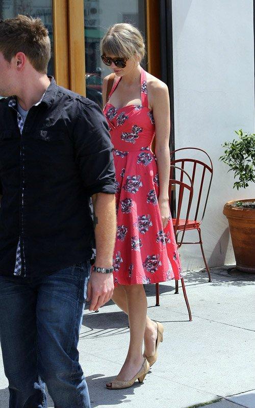 Taylor Swift / Тэйлор Свифт - Страница 2 C9da9eac2314