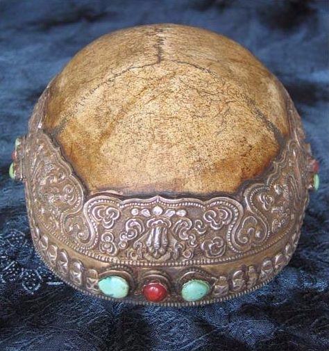 Ритуальные изделия из костей человека  0c62ee311f00