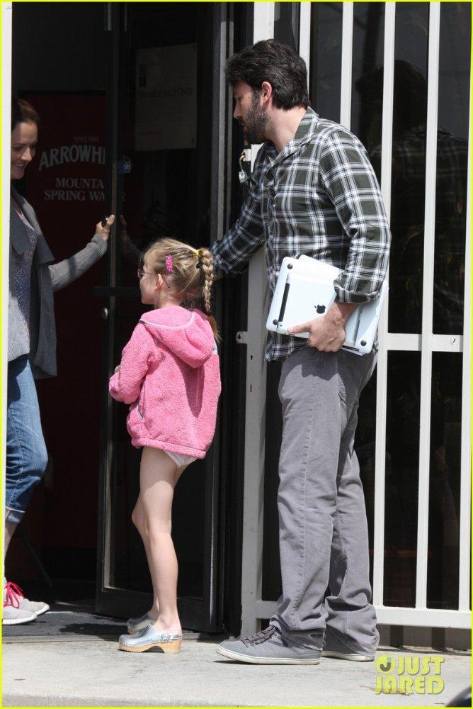 Ben Affleck and Jennifer Garner - Страница 4 Ba6f6653127f