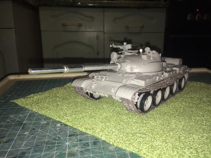 TRUMPETER T-62 Mod 1972  1/35 32a22b854b99