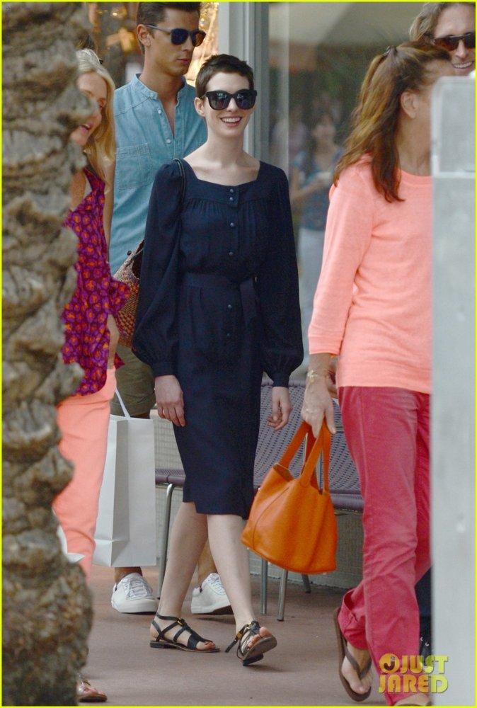 Anne Hathaway/Энн Хэтэуэй - Страница 2 97c194c894d2