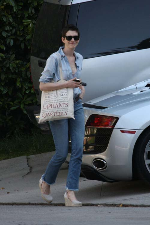 Anne Hathaway/Энн Хэтэуэй - Страница 2 9a6e6c8f6846