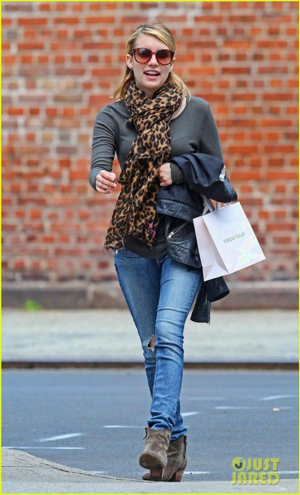 Emma Roberts - Страница 2 6f17a6af06b5
