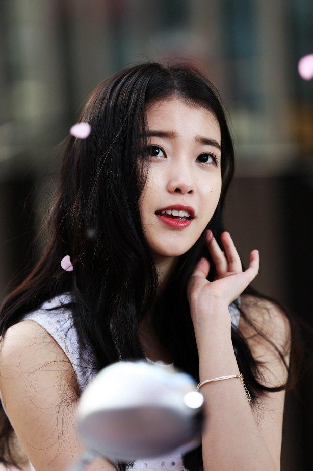IU / Lee Ji Eun /  Ли Чжи Ын/ 아이유 / 이지은 - Страница 2 4498324a5d65