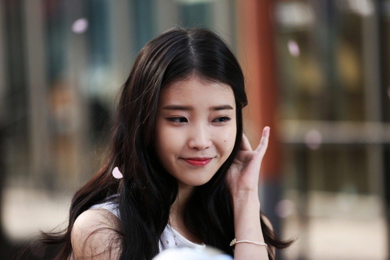 IU / Lee Ji Eun /  Ли Чжи Ын/ 아이유 / 이지은 - Страница 2 73958dce8c62