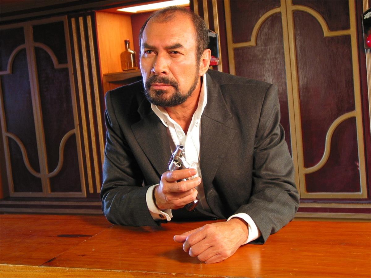 Сага о семейном бизнесе / La saga: Negocio de familia - Страница 21 4f6274675645