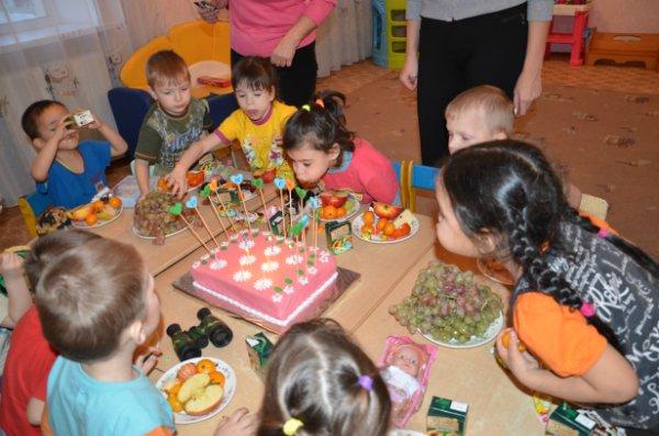 Подарки для детей-сирот на Новый год 499cc55e38b8