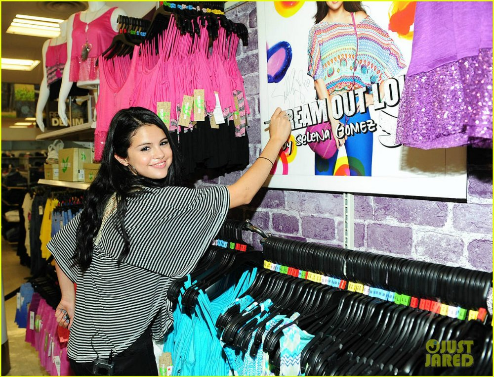 Selena Gomez   Селена Гомес - Страница 3 51997985d3a1