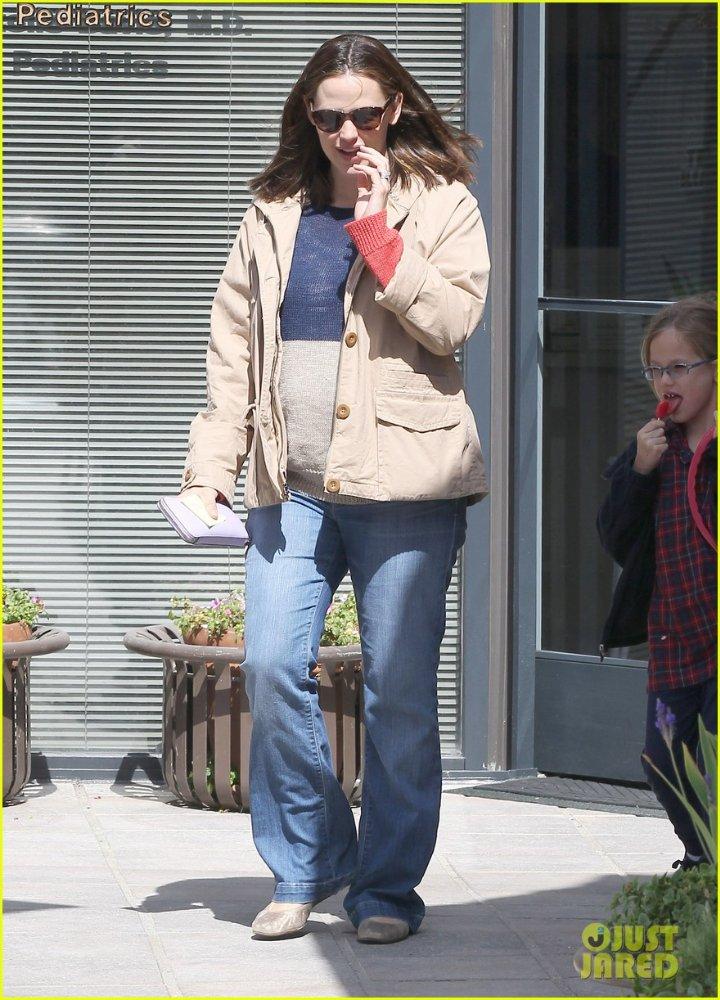 Ben Affleck and Jennifer Garner - Страница 3 4b71d3fe67c1
