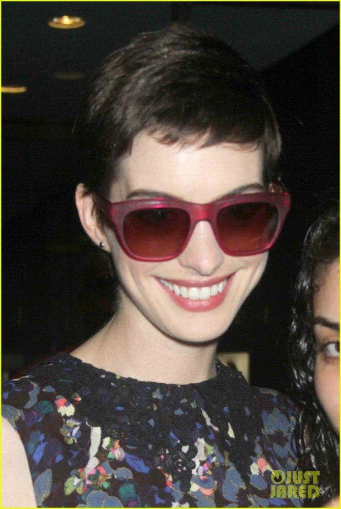 Anne Hathaway/Энн Хэтэуэй - Страница 3 7f29b6265307