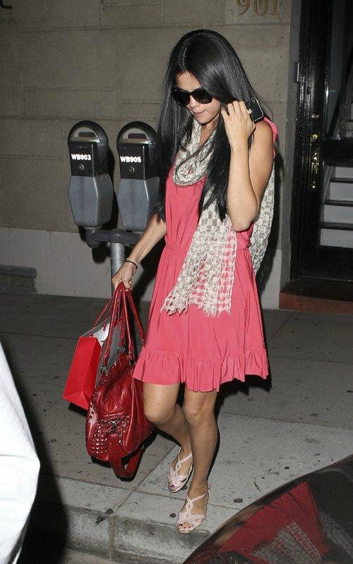 Selena Gomez   Селена Гомес - Страница 3 49214a566a6a