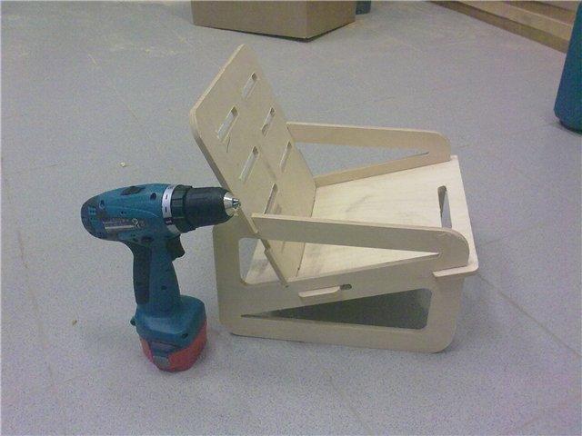 Выпиливаем складную мебель. 685fed1b1163