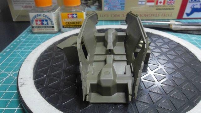 Staghound T17E1, 1/35, (Bronco 35011). F4f6c7b695f5
