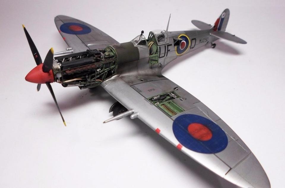 Supermarine Spitfire Eduard 1/48 535fcd58a004