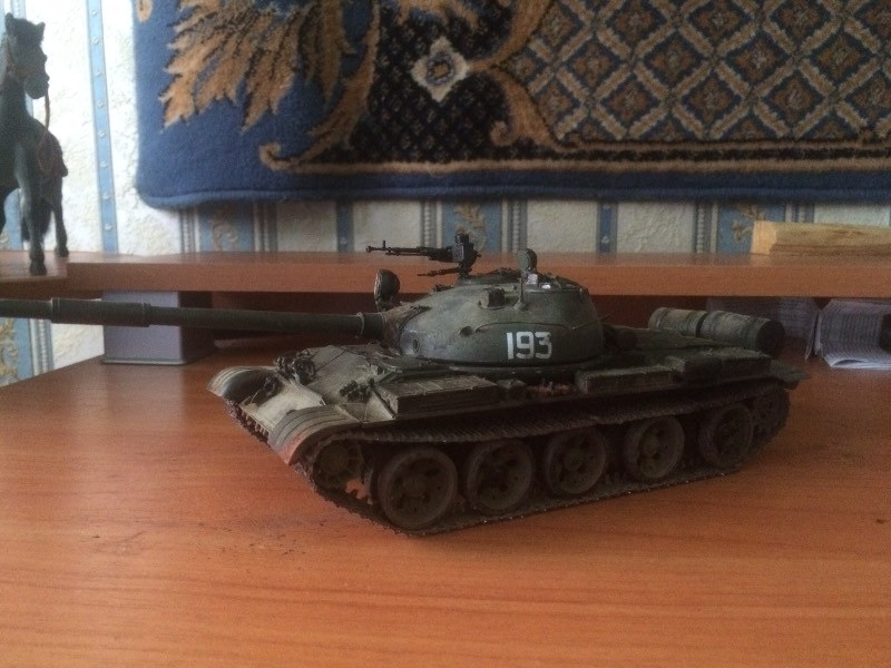 TRUMPETER T-62 Mod 1972  1/35 Bc3a2cd56dc4