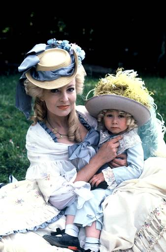 Мария-Антуанетта / Marie-Antoinette / все фильмы D7586ec2ded8
