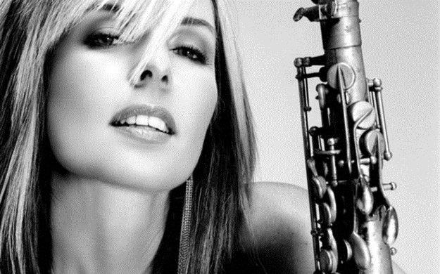 Кэнди Далфер. Девушка с саксофоном Cf56a9d61c8a