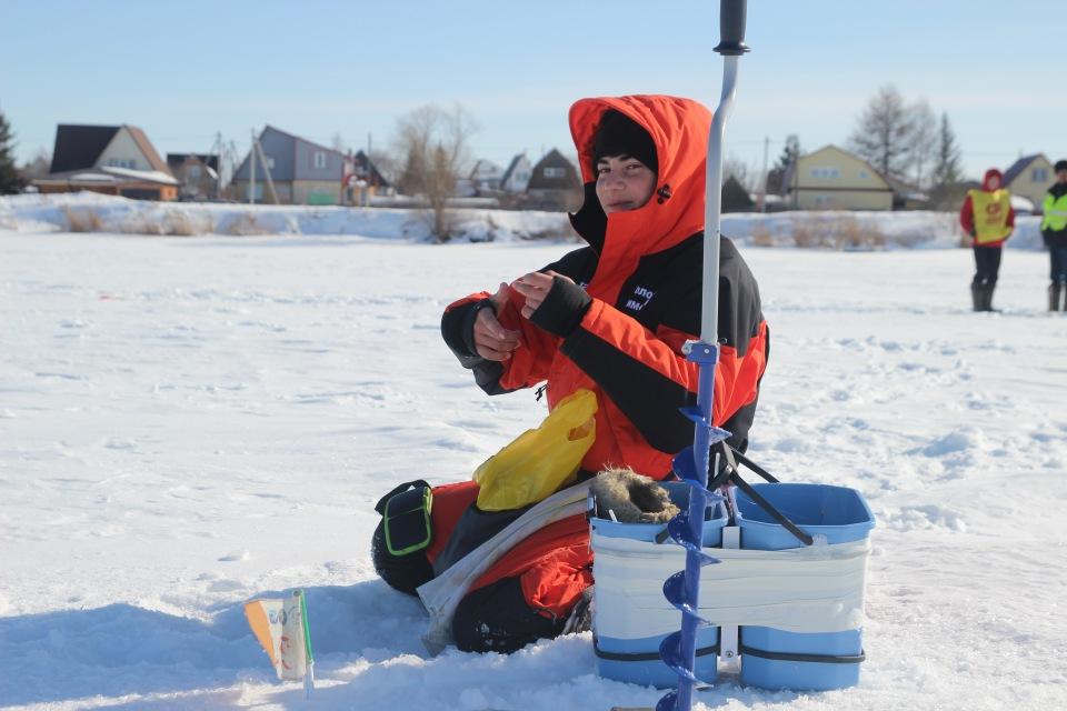 Первенство города Кургана по ловле на мормышку со льда среди юношей и девушек с 14 до 17 лет. B57fb1913448