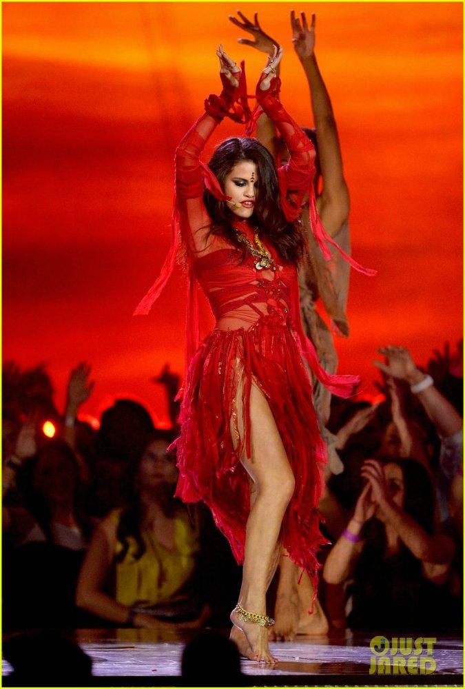 Selena Gomez | Селена Гомес - Страница 9 E005e82aaae5