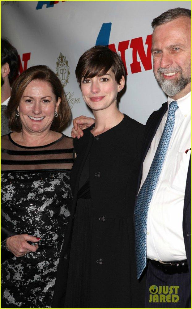 Anne Hathaway/Энн Хэтэуэй - Страница 8 4a67d29939bf