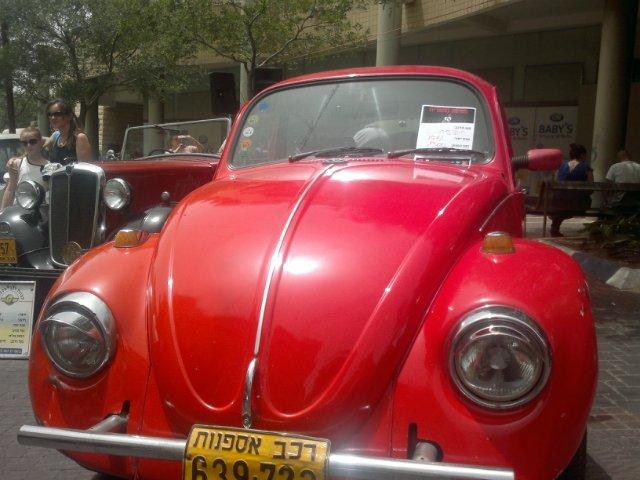 Выставка старых машин в кармиэле 06c75c2af860