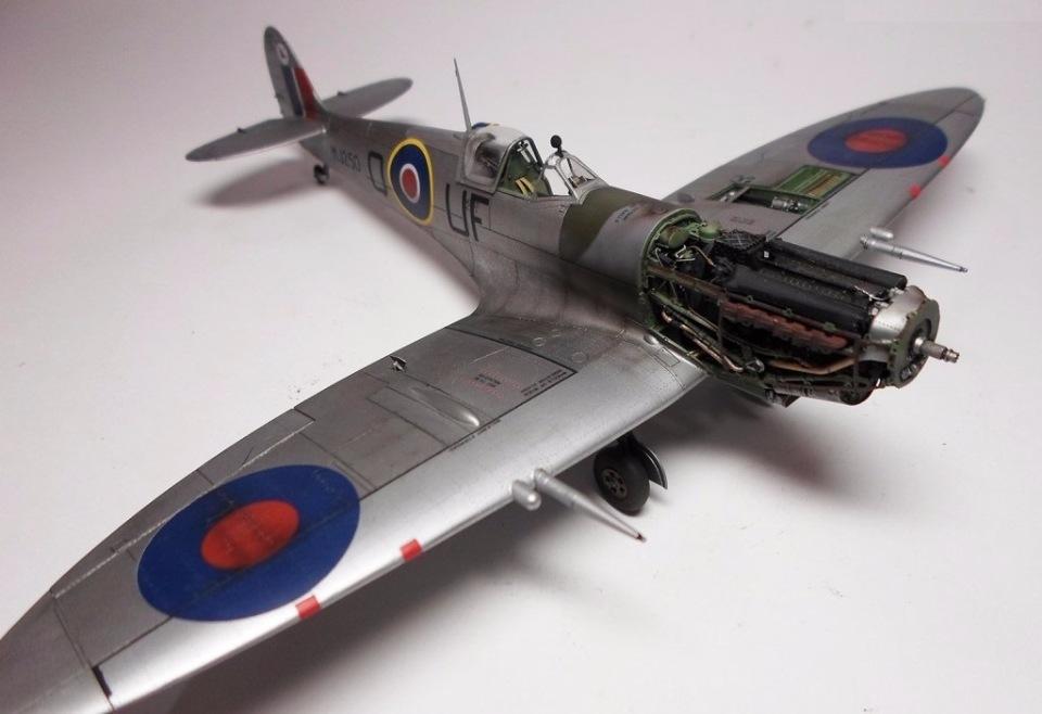 Supermarine Spitfire Eduard 1/48 Ab094ecbce8e
