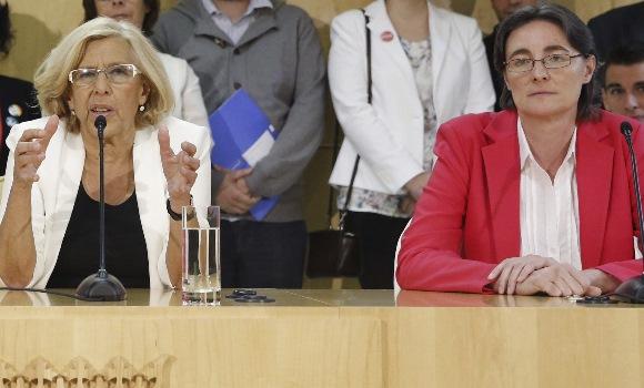 """Carmena, en un encuentro con empresarios: """"Tranquilos, no soy comunista"""" Carmena-higueras-efe"""